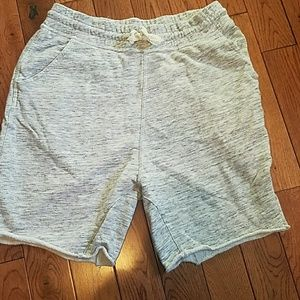 Gray cotton shorts with pockets